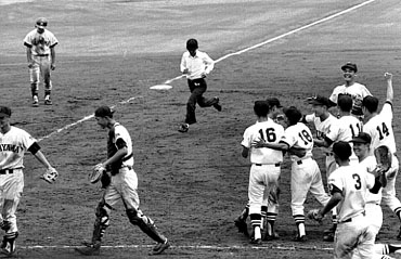 baseball06-13b.jpg