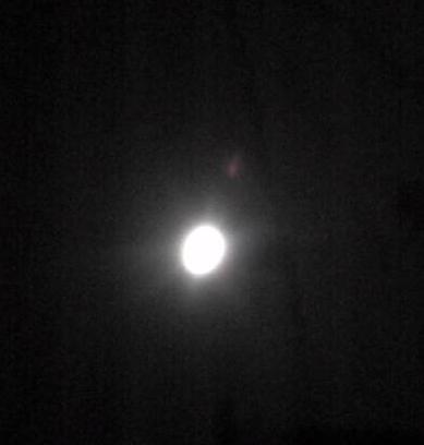 クリスマスイヴの月