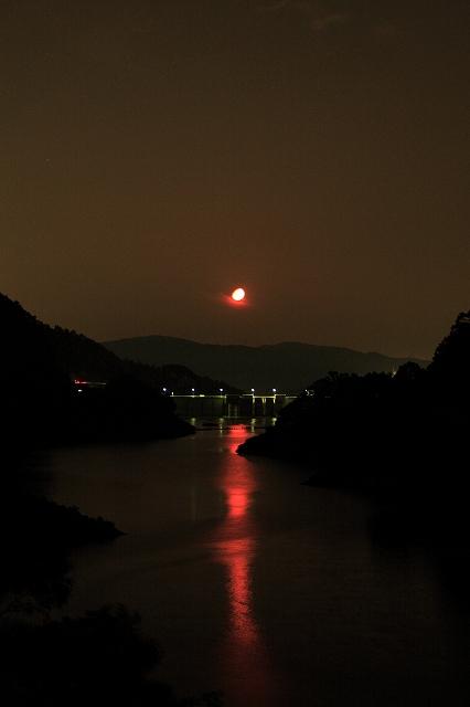moon0006.jpg