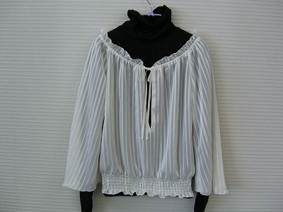 Whiteblouse02.jpg