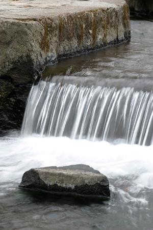 水の表現=三分一湧水1