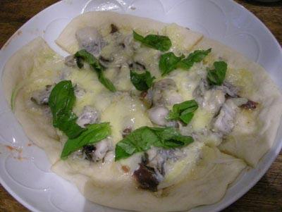 牡蠣とシラスとアンチョビの年越しピッツァ!2007.12.31
