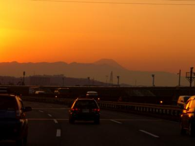 東名から見た夕焼けの富士