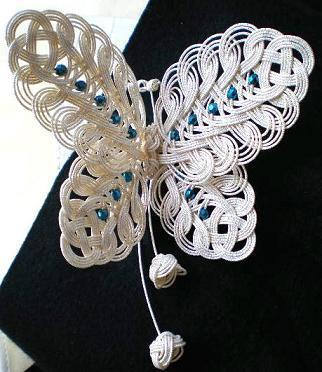 白蝶の髪飾り