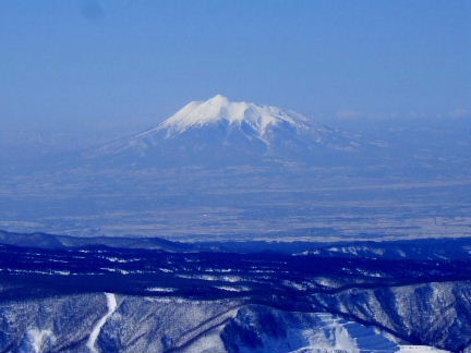 八甲田からの岩木山