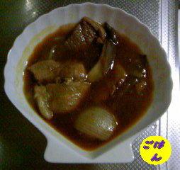 牛肉とヒラタケと玉葱の赤ワイン煮