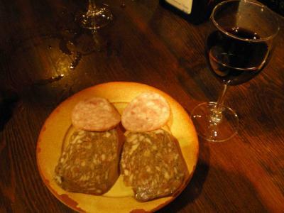 ワインとタパス