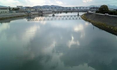 川に映る雲1
