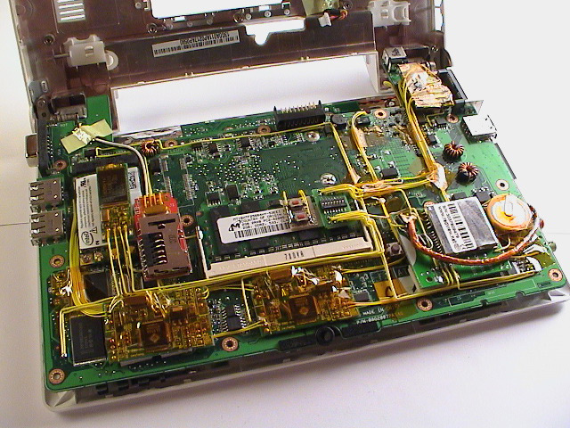 Eee_overview_motherboard_bottom.jpg