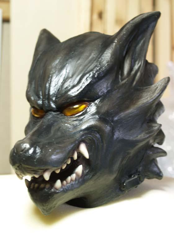 業の深い狼マスク