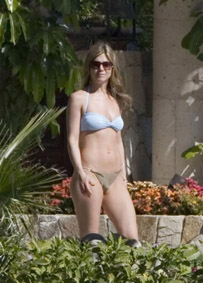 jenniferaniston080102.jpg