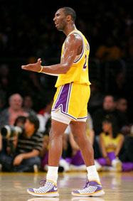 lakers-retro080102.jpg