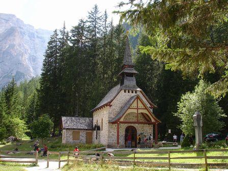 ブライエス湖の教会②