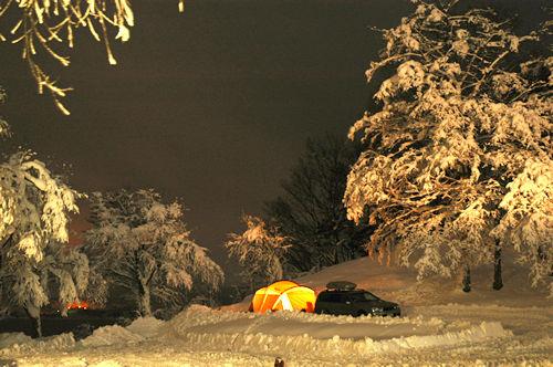 雪テントー夜