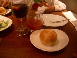 パンと飲み物
