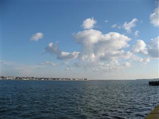 利根川と雲