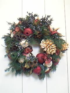クリスマス ジュニパーとザクロのリース