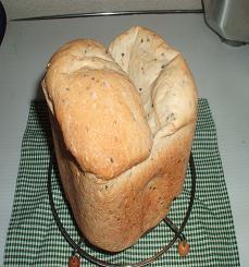 1ハーフハーフゴマ食パン