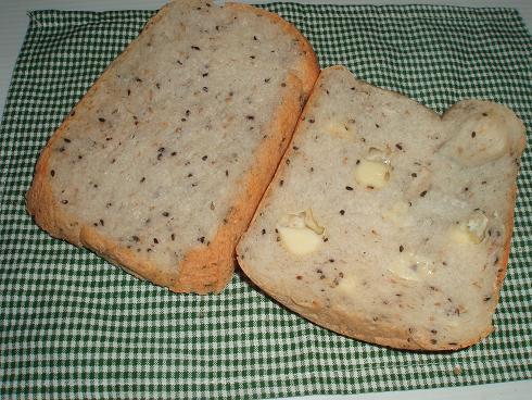 ハーフハーフゴマ食パン3