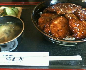 (=`(∞)´=)ブヒィー丼