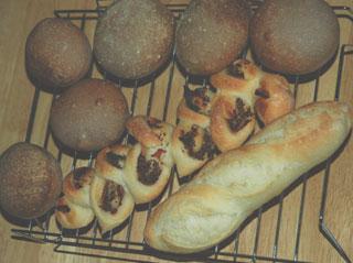 ドライイースト0.5gのフランスパンと自家製天然酵母パン