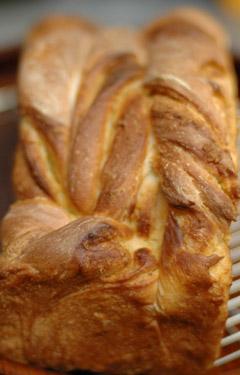 食パン型でクルクル成型