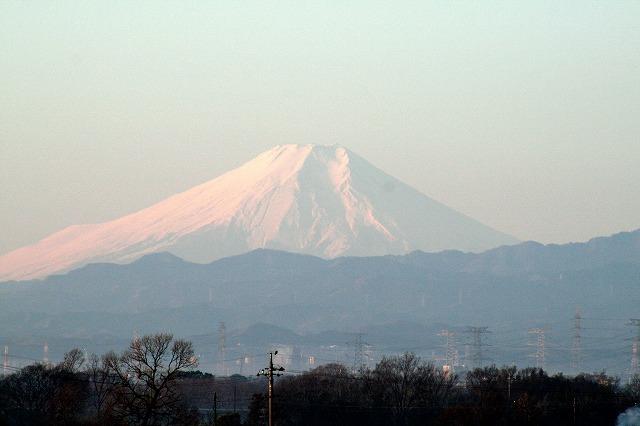 今日の朝 自宅近所からの富士山