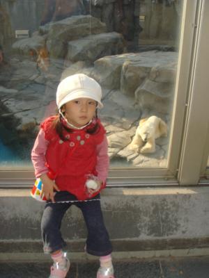 2007.11.10 白クマ前で