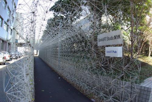 ハンガー門