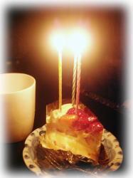 ショートケーキにローソク(ノ∇≦*)