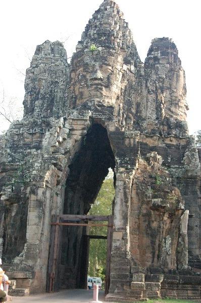 10_cambodia_angkor_037.jpg