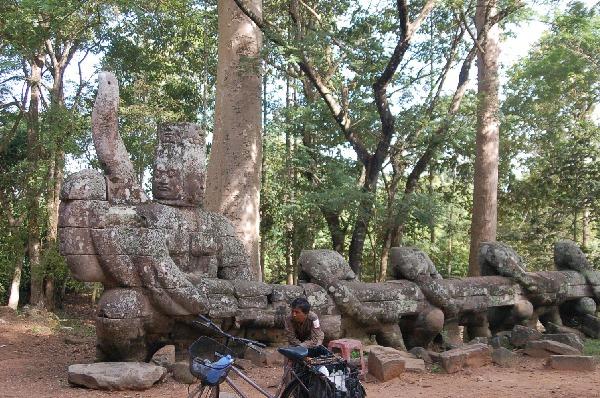 10_cambodia_angkor_060.jpg