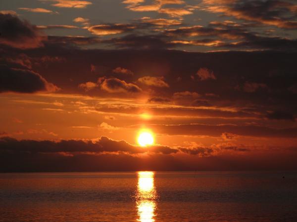 皆様に感謝の夕陽です