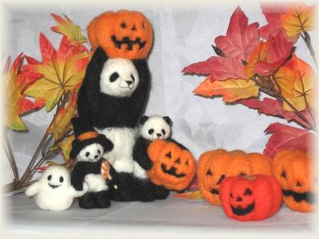 ハロウィン市場の家族パンダ