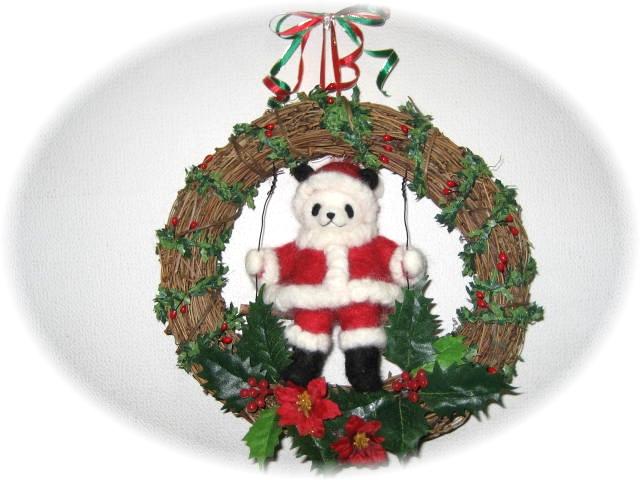 サンタクロースパンダのクリスマスリース1