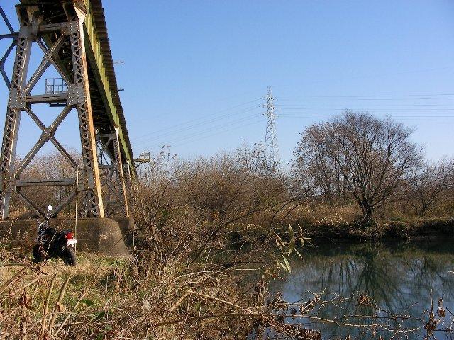 尻毛鉄橋の風景