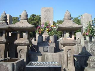 西郷隆盛の墓前にて 2008.1.5