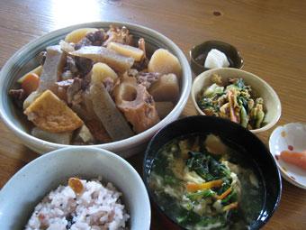 大根煮 十六雑穀米 青梗菜