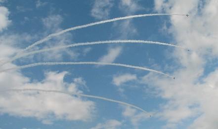 BI飛行機雲