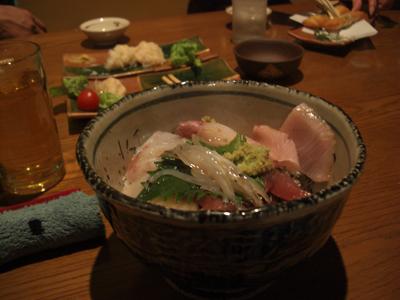 か、海鮮丼。うます、ぎざうますぅ~。