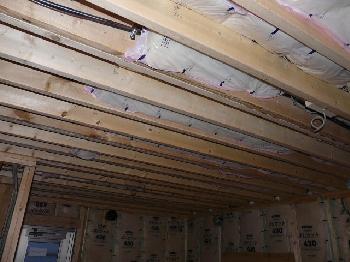 吊り天井の断熱入れ