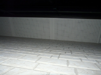 軒天ボードの孔