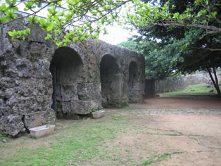 旧祟元寺石門